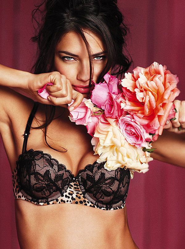 Adriana Lima – Victoria's Secret Lingerie Photoshoot
